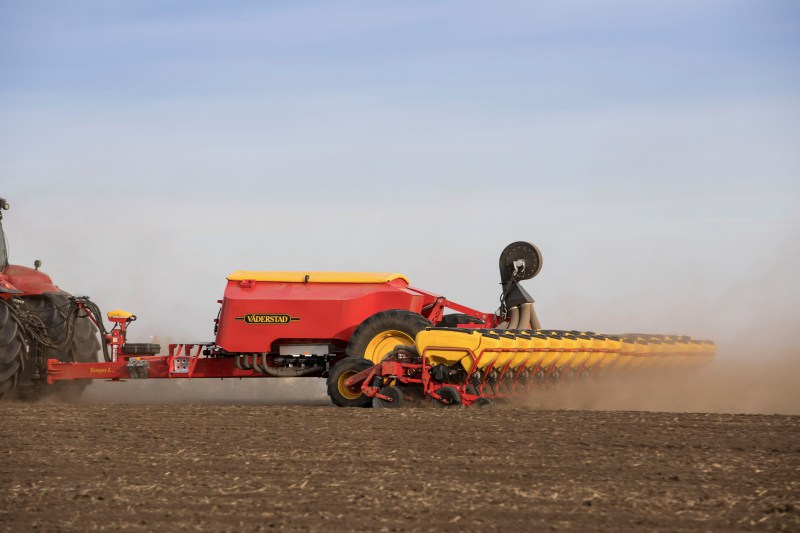 Väderstad establishes new maize drilling record