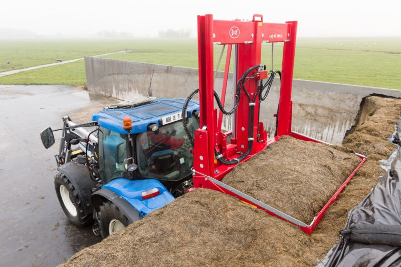 Lely's first silage block cutter