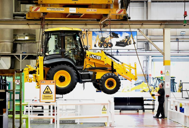 600 new jobs at JCB
