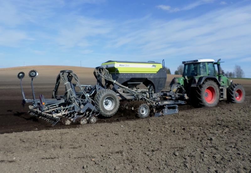 MaxiDrill offers targeted fertiliser application