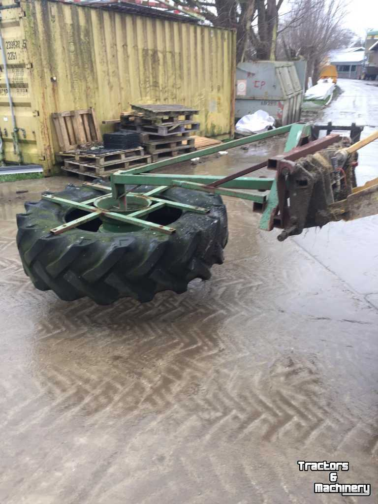 Feed sweeper wheel  Eigen bouw voer veegwiel