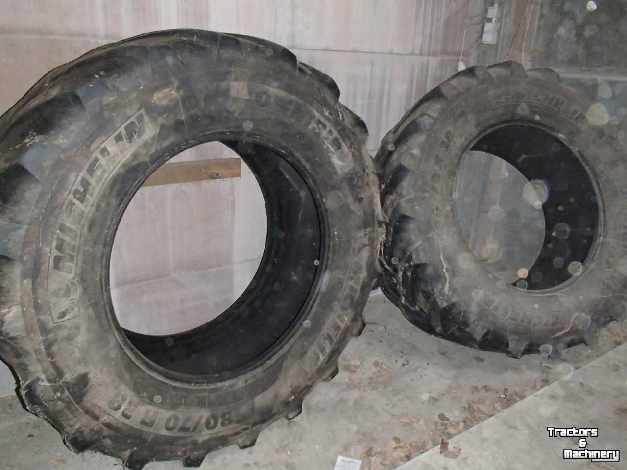 Wheels, Tyres, Rims & Dual spacers Michelin 580-70-38