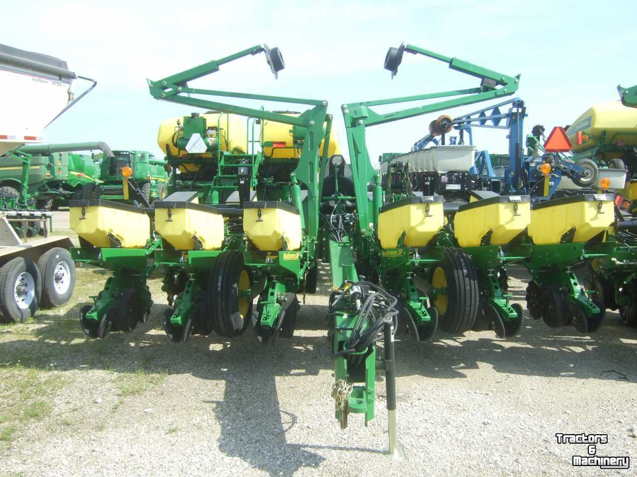 John Deere 1760 12rn 12row Maxemerge Xp Planter