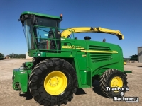 Forage-harvester John Deere 7200 4WS SPFH FORAGE HARVESTER ONTARIO
