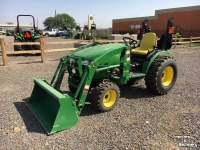 Tractors John Deere 2032R MFWD LOADER TRACTOR CO USA