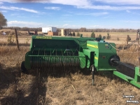Balers John Deere 348 SMALL SQUARE BALER CO USA