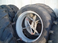 Wheels, Tyres, Rims & Dual spacers Michelin 13.6 x 38
